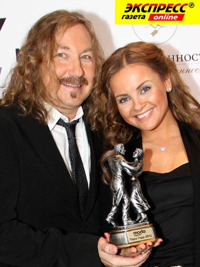 Игорь НИКОЛАЕВ с женой Юлией. Фото Бориса КУДРЯВОВА