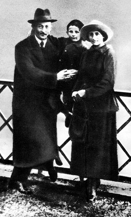 Железный Феликс с женой Софой и сыном Яном обожали Швейцарию