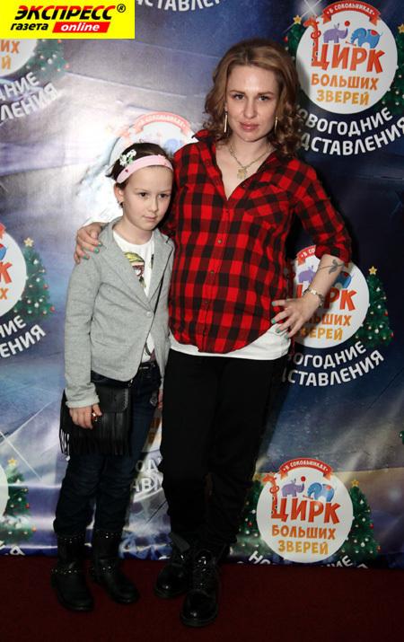 Валерия ГАЙ ГЕРМАНИКА с дочерью Октавией (Фото Ларисы КУДРЯВЦЕВОЙ)