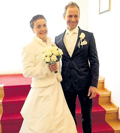 Катя ЮРЛОВА и Йозеф ПЕРХТ расписались в ратуше. Фото: Instagram.com