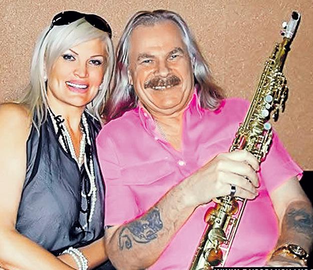 Лина дружит не только с легендарным Петровичем, но и со многими другими известными музыкантами. Фото с сайта russianshanson.info