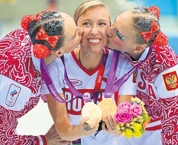 ИЩЕНКО и РОМАШИНА готовы каждый день целовать своего тренера Татьяну ДАНЧЕНКО. Фото: instagram.com/nataliaischenko