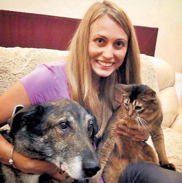 Не вешать нос Ксении ТЕРЕНТЬЕВОЙ помогают её четвероногие друзья. Фото: Facebook.com
