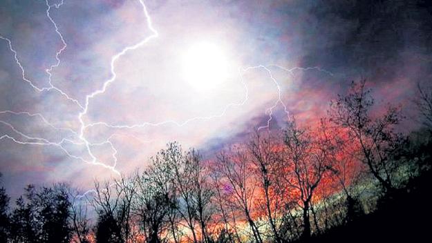 Аномальная зона, названная Склоном бешеных молний, находится на границе Волгоградской и Саратовской областей. Фото: Liveinternet.ru