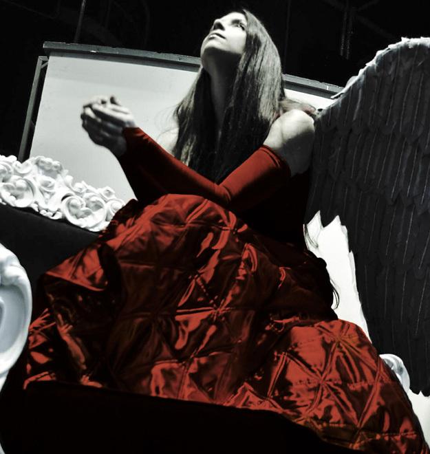 Театр Романа Виктюка. Крылья из пепла. Фото: И. Никульча