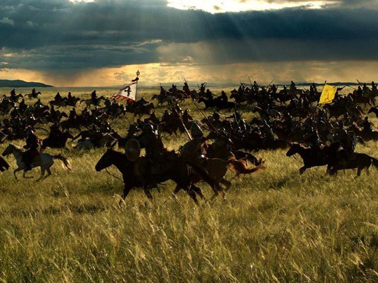 Степь была домом монголов, а война – смыслом их жизни. Источник: Кадр из фильма «Тайна Чингис Хаана», 2009 г.