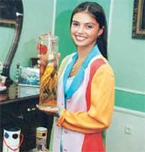АЛИНА КАБАЕВА: готовит для любимого настойку женьшеня