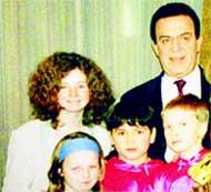ЛЕНА КАТИНА (вверху слева): училась славе у Кобзона