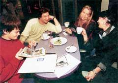 &#034ШВЕДСКАЯ&#034 СЕМЬЯ ДОМОГАРОВА (слева направо): Саша, Александр, Наталья, Ирина. Фото Марка Штейнбока (ś Дней&#034)