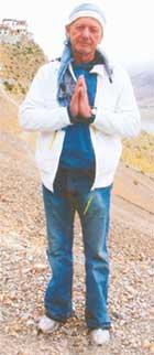 МИХАИЛ НИКОЛАЕВИЧ: вместе с женами миллионеров обрел в Тибете душевное равновесие