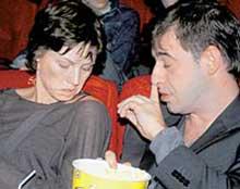 АЛЕНА БАБЕНКО СО СПУТНИКОМ: молодой человек представлялся всем как любовник актрисы