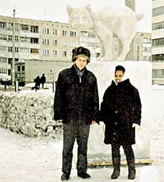 РУССКАЯ ЗИМА: удивляясь снегу, миссис Рыжова пробовала его на вкус