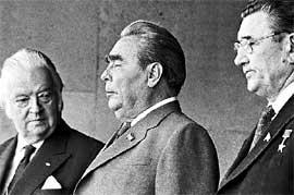 БРЕЖНЕВ: &#034Ну что, господа-товарищи, советские спортсмены - снова лучшие в мире!&#034 (слева - президент МОК лорд Килланин)