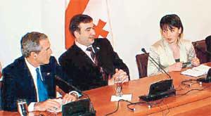 ВО ВРЕМЯ ВИЗИТА БУША В ГРУЗИЮ: Алена Гаглоева была рядом с Михаилом Саакашвили и днем, и ночью