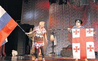 СПЕКТАКЛЬ: даже на сцене Садальский не расставался с грузинским флагом