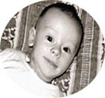 ДЖУЛИЯ: «Генри - лучший малыш в мире!»