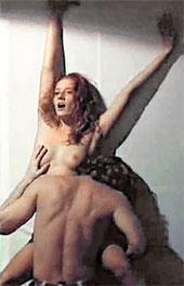 ОТКРОВЕННАЯ СЦЕНА: Лиза смело обнажилась в спектакле «Мадам Бовари»