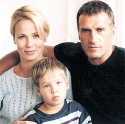 АЛЕКСАНДР ДЕДЮШКО: с женой Светланой и сыном Димой