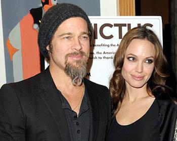 Несмотря о слухах об охлаждении в звездном семействе, Анджелина и Бред выглядят счастливыми и умиротворенными. Фото: Daily Mail