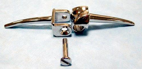 Шарнир коленного сустава был сделан по спецзаказу