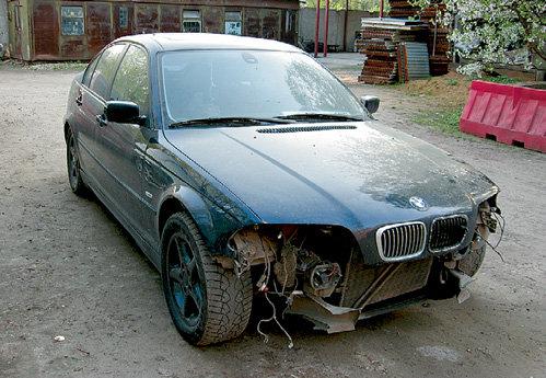 Этот старенький автомобиль стал яблоком раздора для Эмилии и Владимира