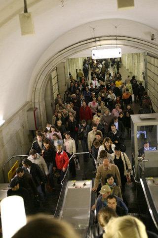 Давка в метро - родная стихия для фроттериста