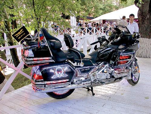 Мотоциклы стоимостью от $60 тысяч на публику впечатления не произвели - слишком дёшево