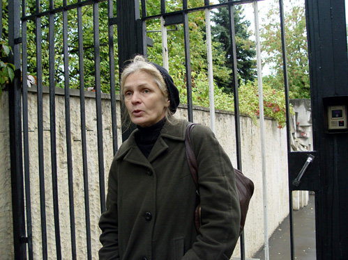 Ольга Ивановна МАМОНОВА у Болгарского посольства после встречи с послом