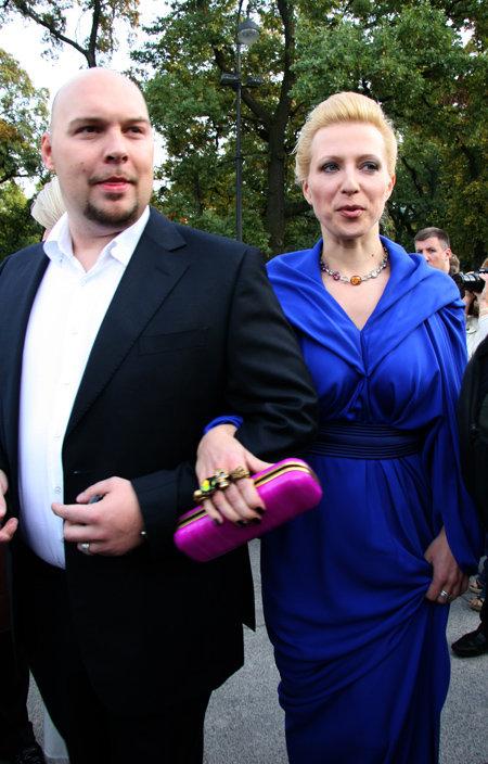 Яна ЧУРИКОВА с мужем Денисом