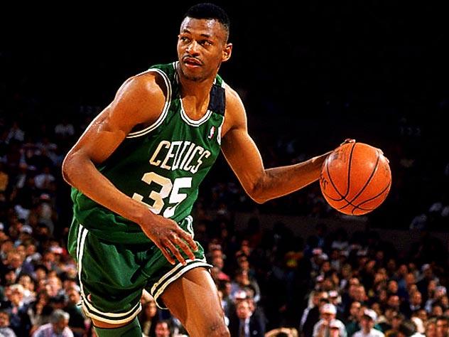 Реджи Льюис во время матча НБА в составе «Бостон Селтикс»