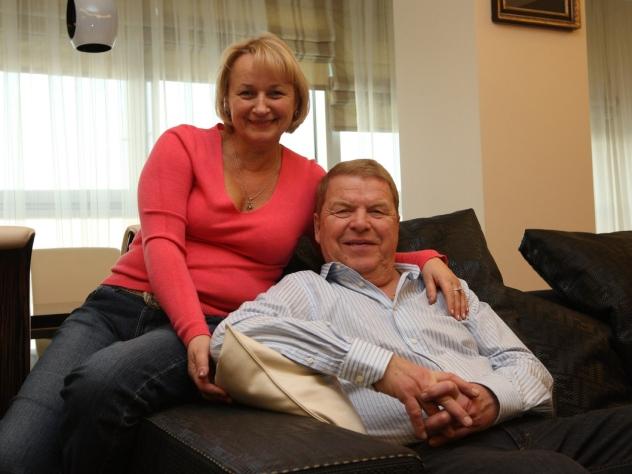 Дочь артиста Кокшенова поведала, что ему после инсульта нужен уход иотдых