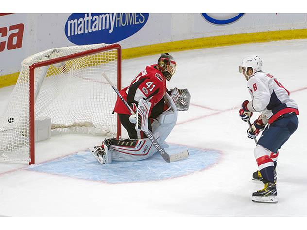 Овечкин забил три шайбы впервом матче нового сезона НХЛ