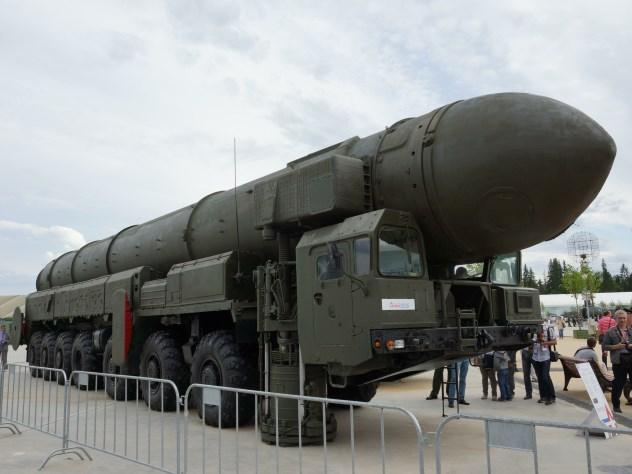Запуск баллистической ракеты «Тополь» скосмодрома Плесецк: видео 360°