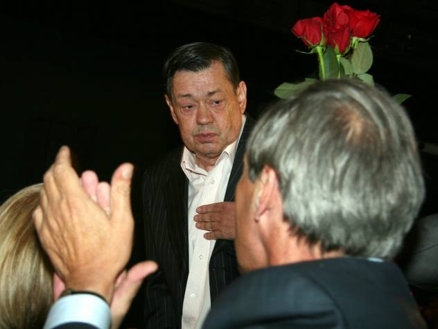 Нездорового  Караченцова после вечеринки увезли нахимию