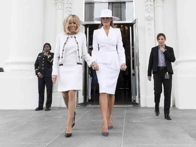 Картинки по запросу Фотографии жен президентов, вид сзади