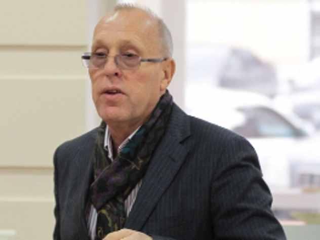 Первый вице-мэр Самары Владимир Василенко заявил, что теперь вынужден ходить на работу пешком. Дело в том, что в городе ввели ограничения для транспорта в связи с чем, центр Самары оказался перекрыт.