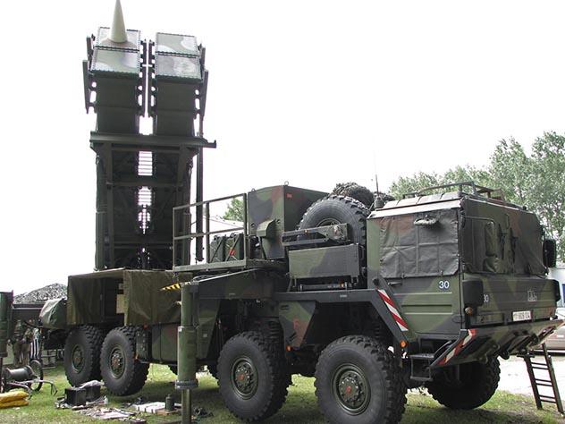 """Киев собирается купить для """"защиты от России"""" американский противоракетный комплекс Patriot"""