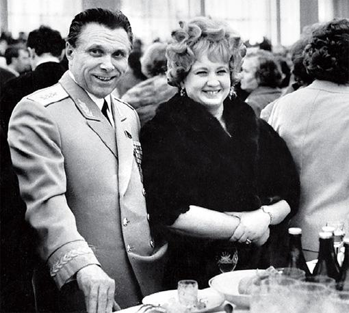 Николай Щелоков и его жена Светлана жили роскошно. Когда Николая Анисимовича обвинили в коррупции, боевая подруга застрелилась