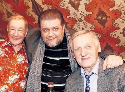Музыкальный обозреватель EG.RU Михаил Филимонов (в центре) с Михаилом Плоткиным и Миколасом Орбакасом
