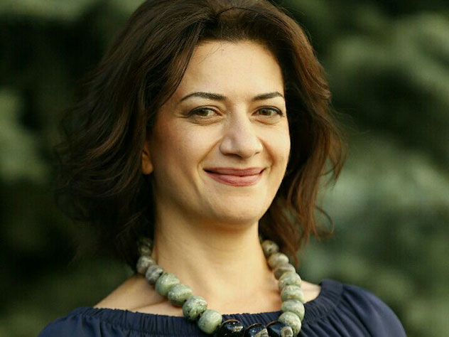 Анна Акопян, жена нового премьер-министра Армении Никола Пашиняна, приехала в Москву