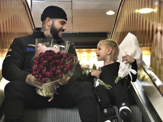 Рэпер Тимати устроил пышный праздник дочке Алисе Юнусовой всего пять лет