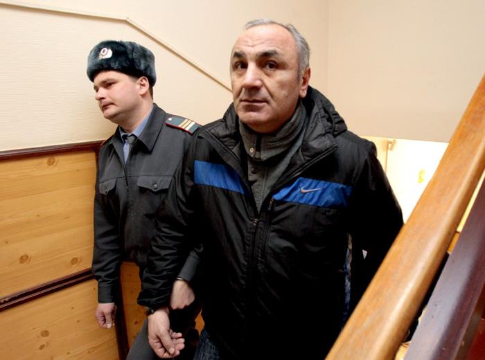 Тариэл Ониани (Таро) в свое время делил с Дедом Хасаном контроль над «активами» посаженного в 2006 году в испанскую тюрьму Захария Калашова (Шакро Молодого)