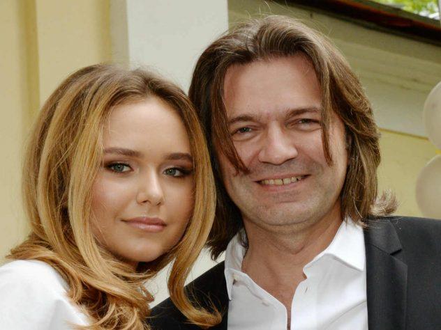 Стефания Маликова с отцом Дмитрием