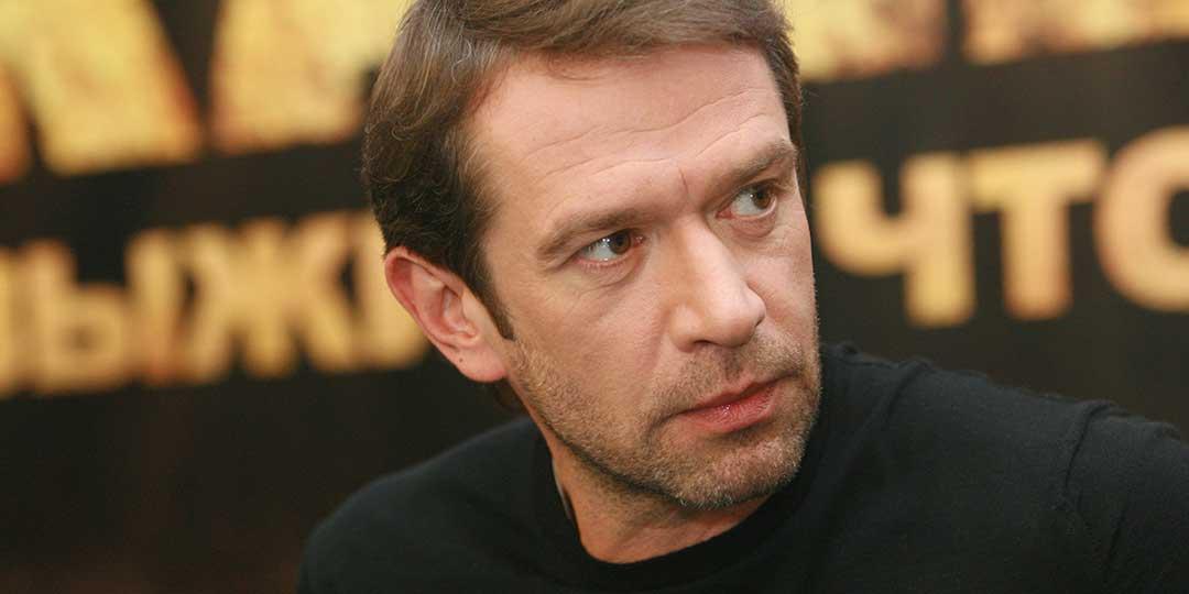 Владимир Машков на свой день рождения пашет как вол в туфлях 48 размера