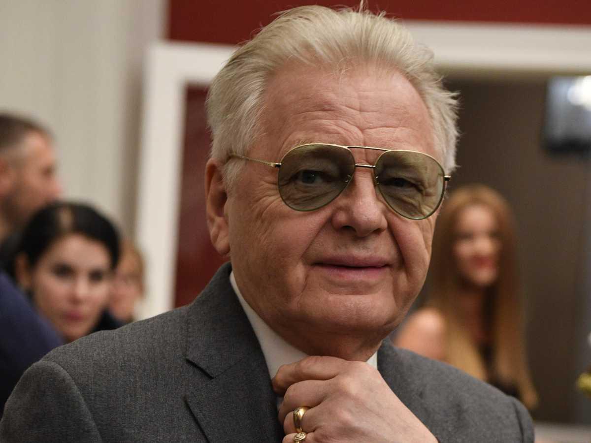 76-летний Юрий Антонов вышел в свет после мучительной болезни