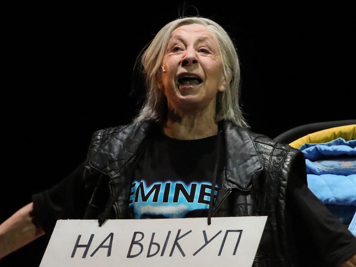 «Ума и таланта не хватило»: заслуженный артист России крепко врезал Рыжакову за вакханалию в «Современнике»